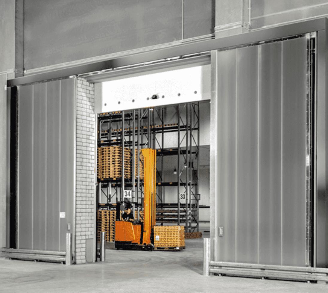 Flera snygga industriportar i glas