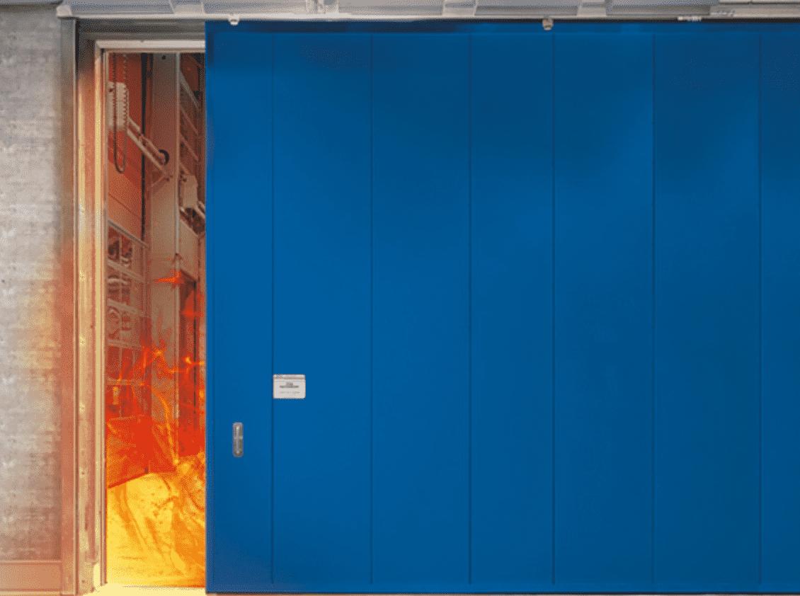 Blå branddörr